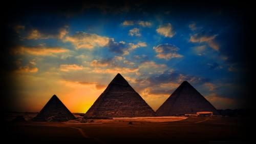 Egypt_Giza_Pyramids_001219e261da9fe1bb8.jpg