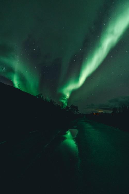 aurora-borealis-reflectioncba6f072a511b46d.jpg