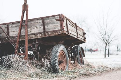 broken-trailer-under-hoarfrost_free_stock_photos_picjumbo_DSC02589-1080x720fedb0222685d023e.jpg
