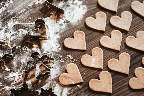 christmas-baking-lovely-yummy-hearts-free-photo166d3022b3b8cf34.jpg