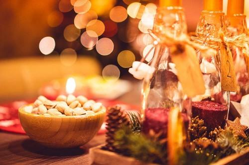 christmas-evening-decorations-and-sweets_free_stock_photos_picjumbo_DSC01812-1080x72007b52702c7f30113.jpg