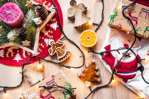 christmas-time-decorations-still-life6391886d6795ce95.jpg