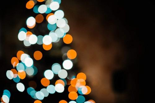 christmas-tree-bokeh-lights-background-1080x720944c07a64b4de685.jpg