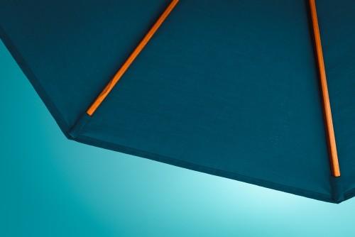 blue-umbrellafcb5e440a8dbde23.jpg