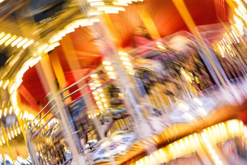 crazy-blurred-carousel-at-night_free_stock_photos_picjumbo_hnck35419aa2e483779f692e.jpg