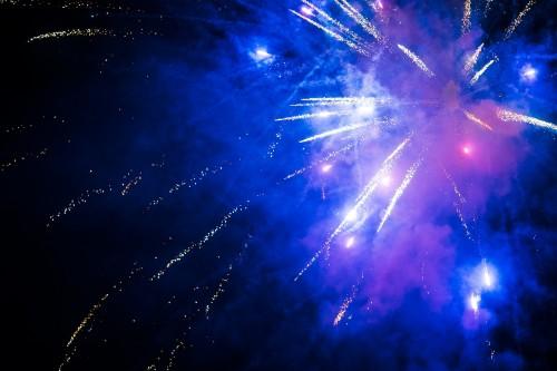 free-fireworks-images492cc29917ae6976.jpg