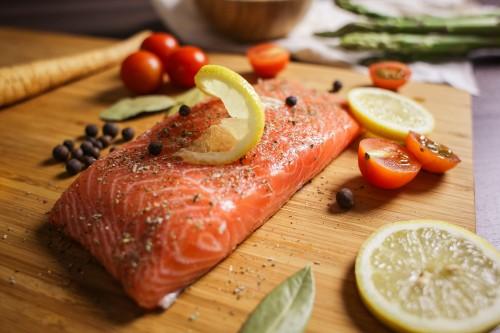 preparing-salmon-steak-close-up_free_stock_photos_picjumbo_HNCK5673eb4488e24ffea6bb.jpg