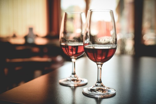two-glasses-with-alcohol-drink_free_stock_photos_picjumbo_IMG_777992fd3150a5fd35dd.jpg