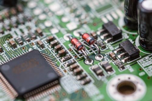 electronics-chip-board-hardware-close-up_free_stock_photos_picjumbo_HNCK485868189ca09a504f92.jpg