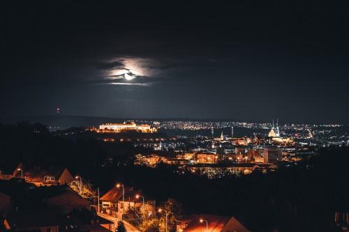 brno-city-czechia-at-night171bb808bea820d0.jpg