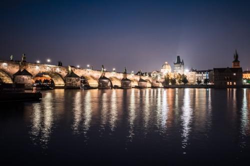 charles-bridge-and-vltava-river-in-prague-at-night_free_stock_photos_picjumbo_DSC0090851a5db1d1bcef485.jpg