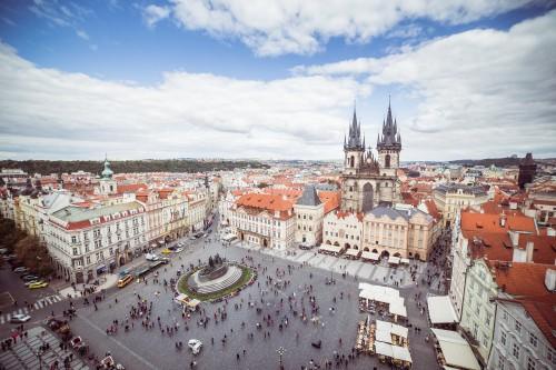 old-town-square-in-prague-czech-republic_free_stock_photos_picjumbo_HNCK9225bb54dfbffbce0df0.jpg