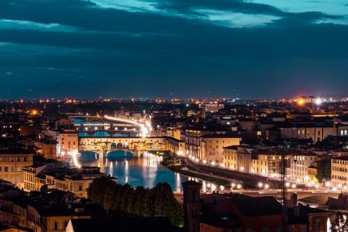 ponte-vecchio-on-arno-river-at-night-florence-italy_free_stock_photos_picjumbo_DSC04600abef166dc0058188.jpg