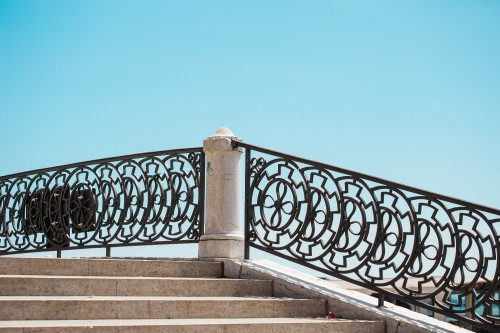 stairs-and-old-vintage-handrails-in-venice-italy67f70d23ad1394ce.jpg