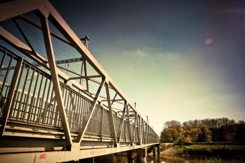 steel-bridge_free_stock_photos_picjumbo_IMG_874618daa7456fe14c19.jpg